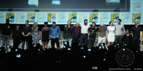 The entire cast assembles at the 2013 San Diego Comic Con