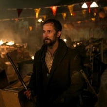 falling skies feature