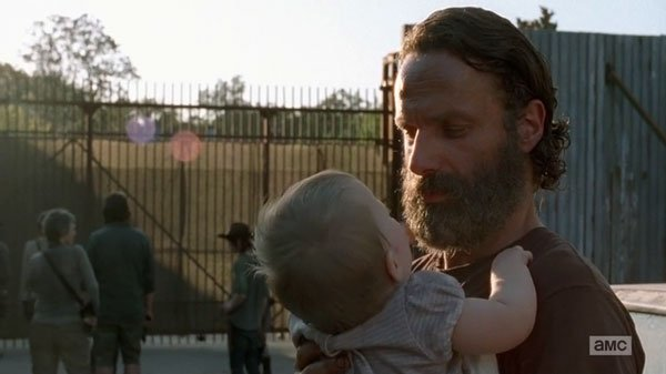"""It's a man being able to breathe again after holding his breath for two years"" – Andrew Lincoln on Rick's entrance into Alexandria"