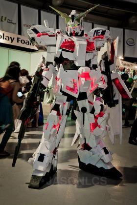 Clive Lee Gundam Unicorn 2
